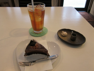 ショコラケーキとアイスティ