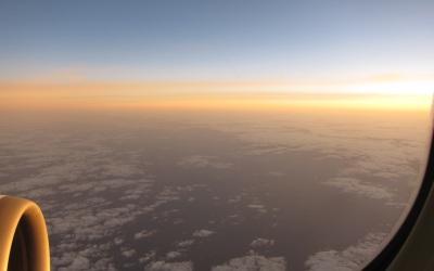 空からの朝日