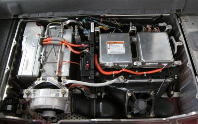 バッテリエンジン