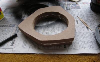 木工用ボンドで接着