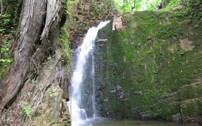 水が少ない不動滝