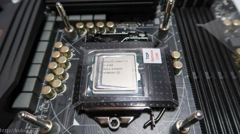 CPUに貼り付け